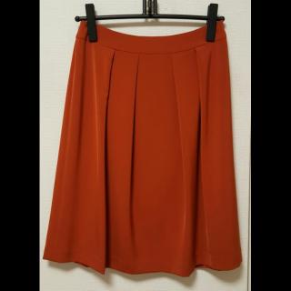 このコーデで使われているTRANS WORKのひざ丈スカート[オレンジ]