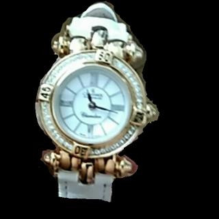 このコーデで使われているCHAUMETの腕時計[ホワイト/ゴールド]