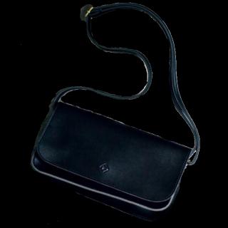 このコーデで使われているDRESSTERIORのショルダーバッグ[ブラック]
