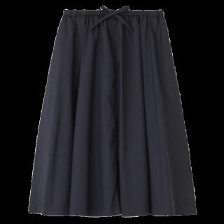 このコーデで使われているひざ丈スカート[ネイビー/ブラック]