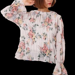 このコーデで使われているRay Cassinのシャツ/ブラウス[ホワイト/その他]