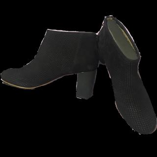 このコーデで使われているCAMPERのブーツ[ブラック]