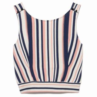 このコーデで使われているLily BrownのTシャツ/カットソー[ネイビー]