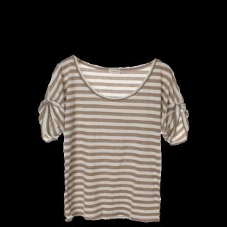 このコーデで使われているPINCEAUのTシャツ/カットソー[ホワイト/ベージュ]