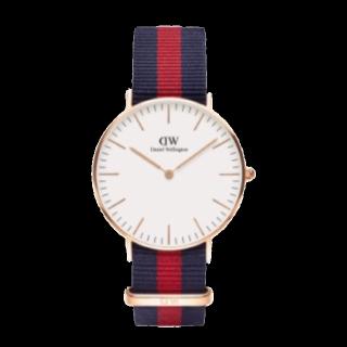 このコーデで使われているDaniel Wellingtonの腕時計[ネイビー/レッド]