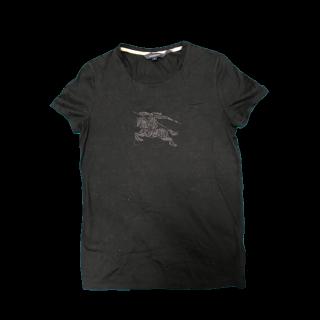 このコーデで使われているBURBERRYのTシャツ/カットソー[ブラック/グレー]