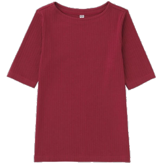 このコーデで使われているUNIQLOのTシャツ/カットソー[レッド]