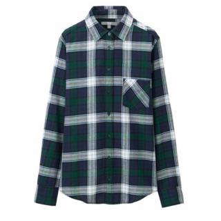 このコーデで使われているUNIQLOのシャツ/ブラウス[グリーン/ネイビー]