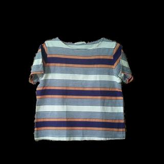 このコーデで使われているsabaseのTシャツ/カットソー[ホワイト/パープル/オレンジ]
