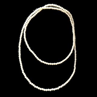 このコーデで使われているGUのネックレス[ホワイト]