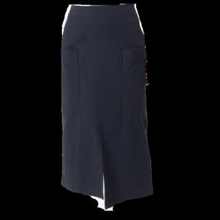 このコーデで使われているIENAのタイトスカート[ネイビー]