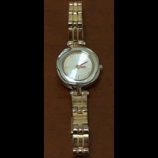 このコーデで使われているPaul Smithの腕時計[ゴールド/ピンク/シルバー]