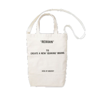 このコーデで使われているAZUL by moussyのトートバッグ[ホワイト]