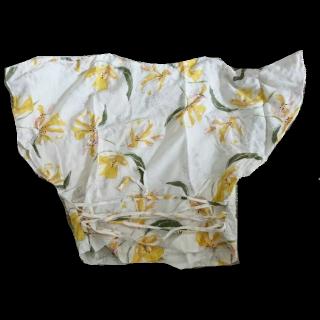 このコーデで使われているZARAのTシャツ/カットソー[ホワイト/グリーン/イエロー]