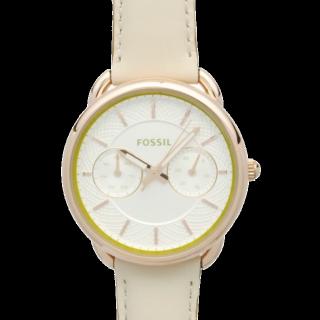 このコーデで使われているFOSSILの腕時計[ベージュ/ホワイト]