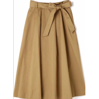 このコーデで使われているROPE' PICNICのプリーツスカート[ベージュ/キャメル]