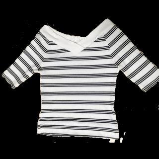 このコーデで使われているRETRO GIRLのニット/セーター[ホワイト/ブラック]