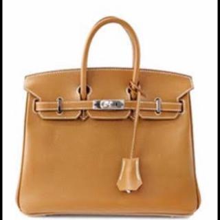 このコーデで使われているBridget Birkinのハンドバッグ[キャメル]