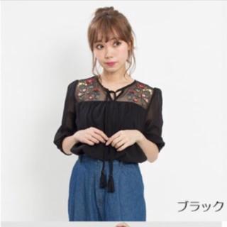 このコーデで使われているシャツ/ブラウス[ブラック]