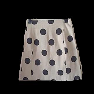 IENAのひざ丈スカート