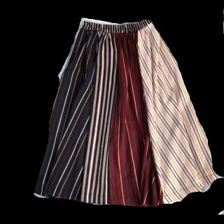 このコーデで使われているミモレ丈スカート[ベージュ/ネイビー/レッド/その他]
