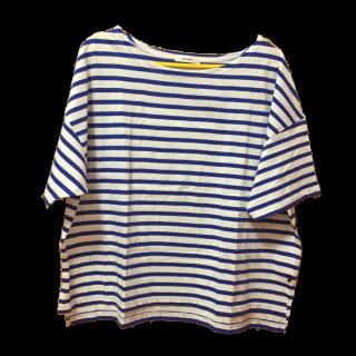 このコーデで使われているnico and...のTシャツ/カットソー[ホワイト/ブルー]