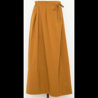 このコーデで使われているDrawerのマキシ丈スカート[オレンジ/ベージュ]