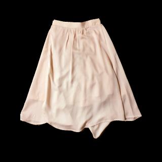 このコーデで使われているSupreme LaLaのマキシ丈スカート[ピンク]