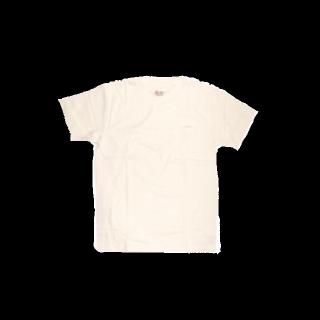 このコーデで使われているTシャツ/カットソー[ホワイト]