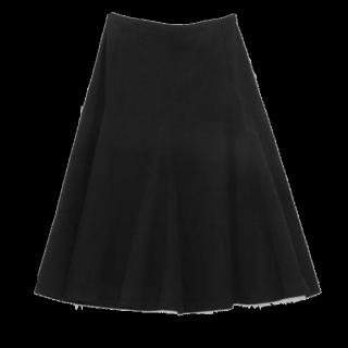 このコーデで使われているGUのひざ丈スカート[ブラック]