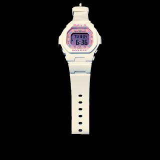 このコーデで使われているBaby-Gの腕時計[ホワイト]