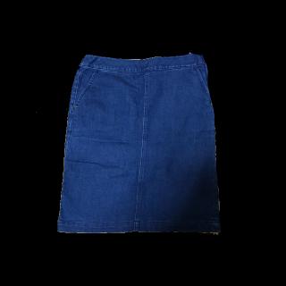 不明のデニムスカート