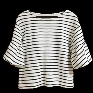 このコーデで使われているLOWRYS FARMのTシャツ/カットソー[ホワイト/ブラック]