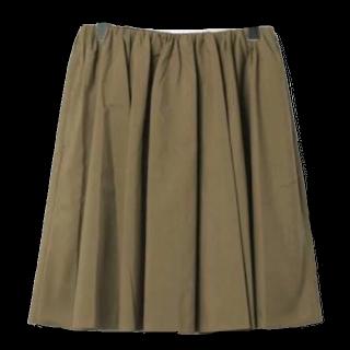 このコーデで使われているMACPHEEのスカート[カーキ]