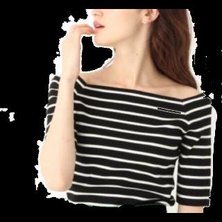 このコーデで使われているapart by lowrysのTシャツ/カットソー[ブラック/ホワイト]