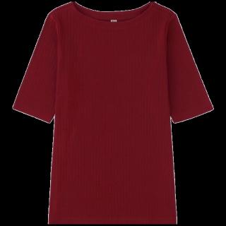 このコーデで使われているUNIQLOのTシャツ/カットソー[ボルドー]