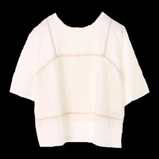このコーデで使われているehka sopoのTシャツ/カットソー[ベージュ/ホワイト]