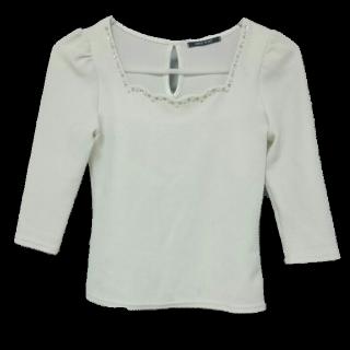 このコーデで使われているONE WAYのTシャツ/カットソー[ホワイト]