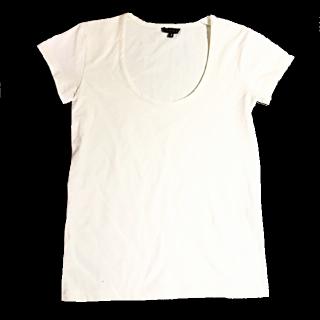 このコーデで使われているtheoryのTシャツ/カットソー[ホワイト]