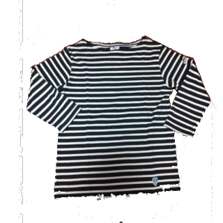 このコーデで使われているOrcivalのTシャツ/カットソー[ネイビー/ホワイト]