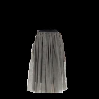 不明のチュールスカート