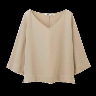 このコーデで使われているUNIQLOのシャツ/ブラウス[ベージュ]