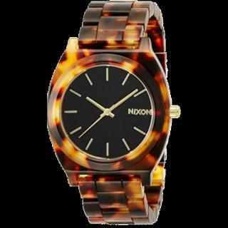 このコーデで使われているNIXONの腕時計[ブラック/ブラウン]