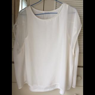 このコーデで使われているLOWRYS FARMのTシャツ/カットソー[ホワイト]
