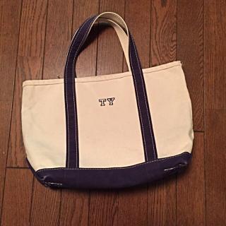 このコーデで使われているL.L.Beanのトートバッグ[ネイビー/ホワイト]
