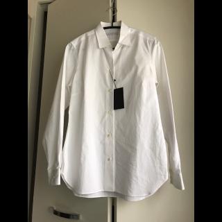 このコーデで使われているESTNATIONのシャツ/ブラウス[ホワイト]