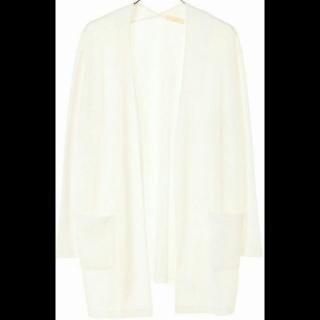 このコーデで使われているearth music&ecologyのTシャツ/カットソー[ホワイト]
