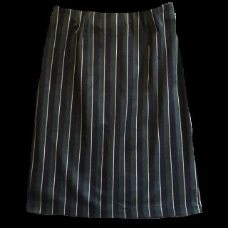 このコーデで使われているle.coeur blancのタイトスカート[ネイビー/グリーン/グレー/その他]