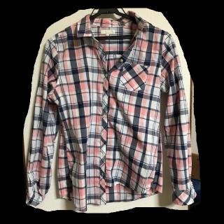 このコーデで使われているearth music&ecologyのシャツ/ブラウス[ピンク]
