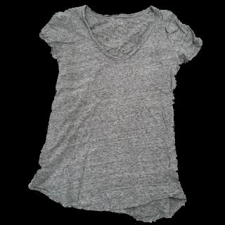 このコーデで使われているGAPのTシャツ/カットソー[グレー]